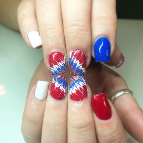 abstract-nail-design-for-independence-day