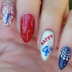 happy-4-th-of-july-manicure