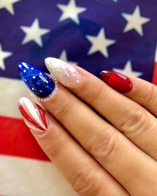 independence-day-manicure
