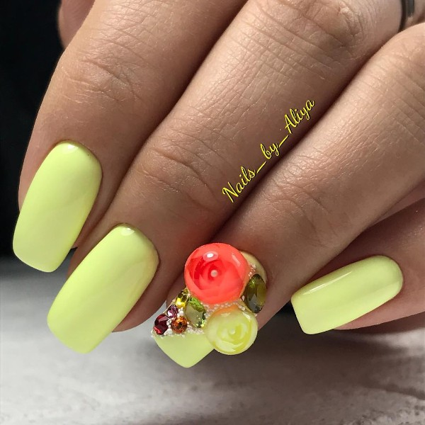 light yellow candy ball manicure