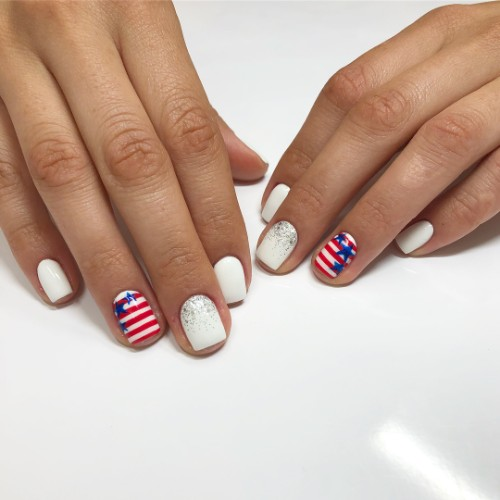 white-patriotic-nail-art-with-stripes-and-stars