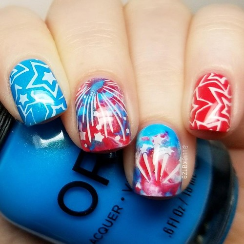 stars-and-fireworks-nail-design