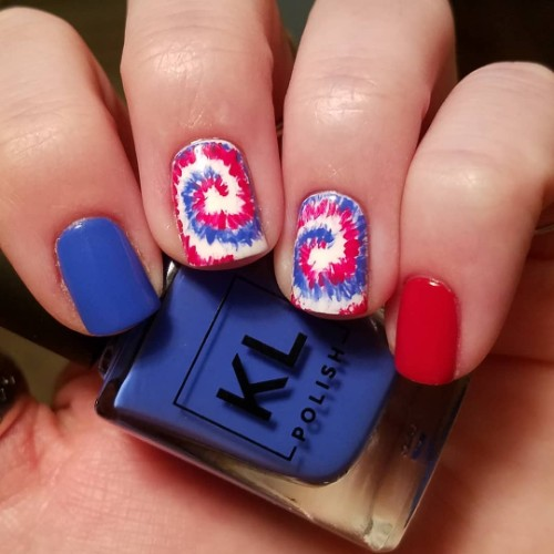 tie-dye-patriotic-nails