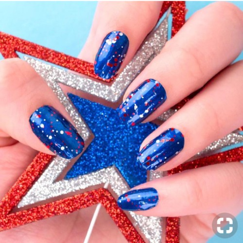 4th of July nails with glitter nail lacquer