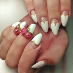 wedding nails with flower ball