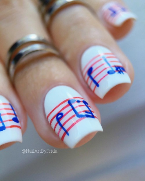 white-patriotic-nail-art