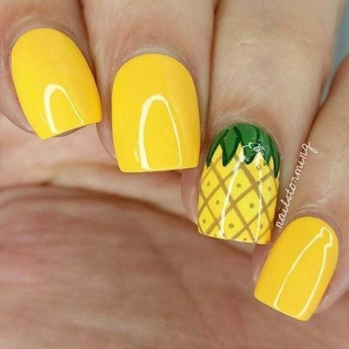 bright yellow short pineapple nails