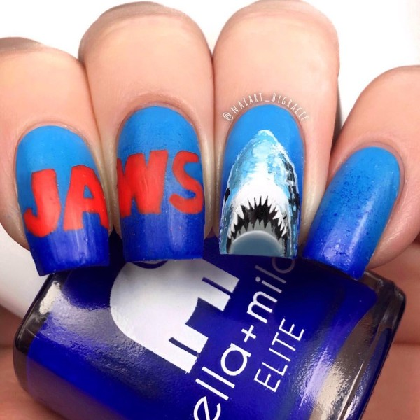 jaws-shark-nail-design