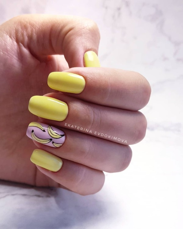 light-yellow-nails-with-accent-banana-nails