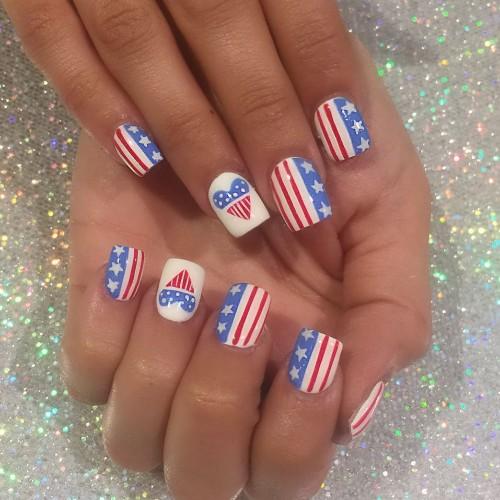 love-america-patriotic-manicure