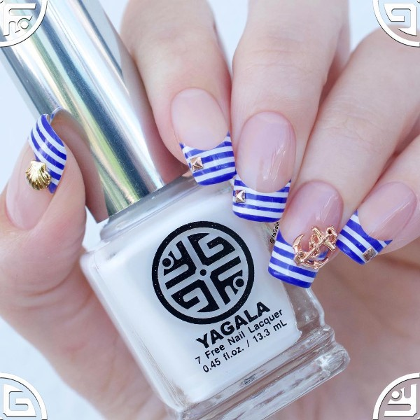 nautical-nails-with-french-tips