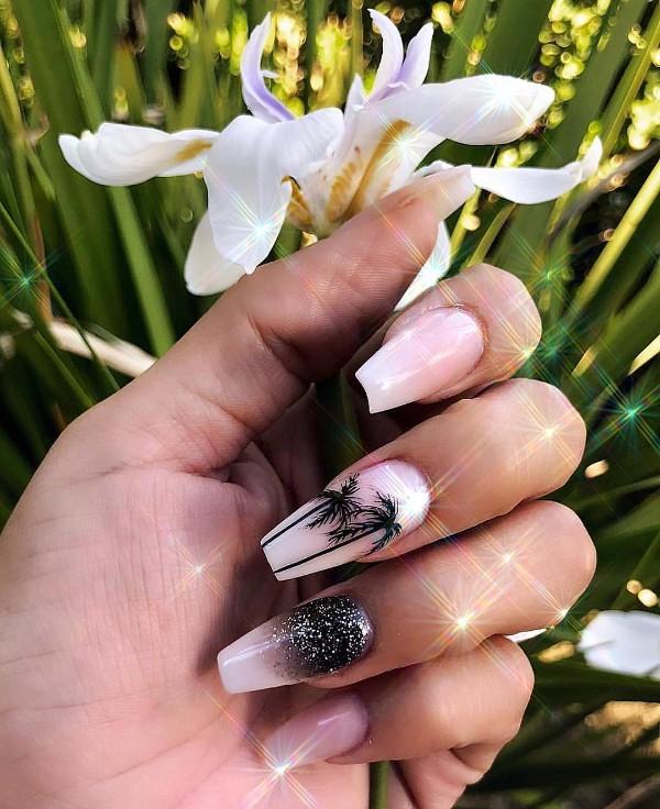 nude-palmtree-nails