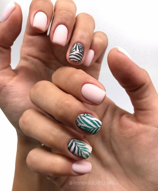 nude-summer-nails-with-green-leaves