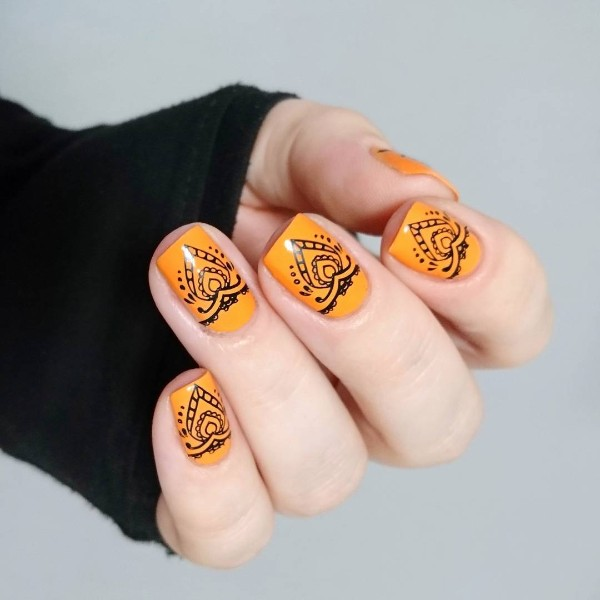 orange-summer-nails