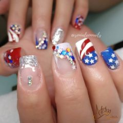 patriotic-4th-of-july-nails-with-rhinestones