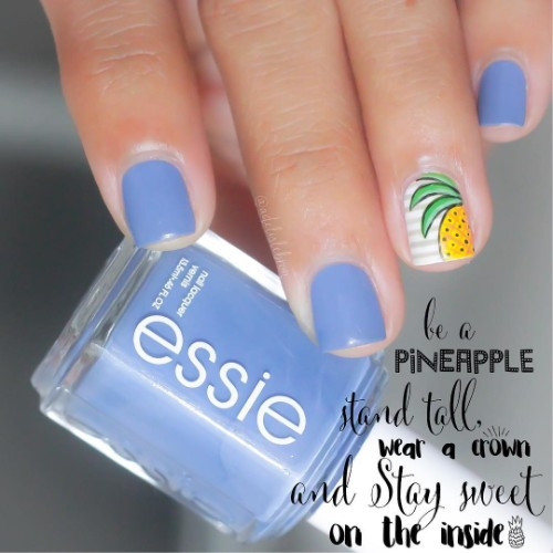 pineapple manicure with accent stripy nail