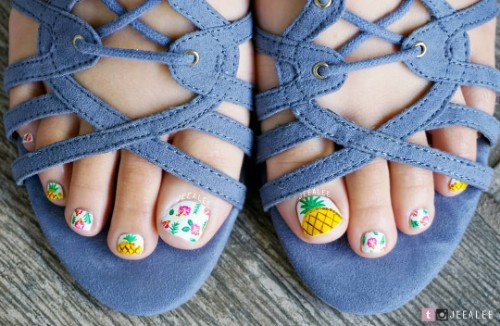 pineapple toe nail design
