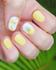short nails with pineapple design
