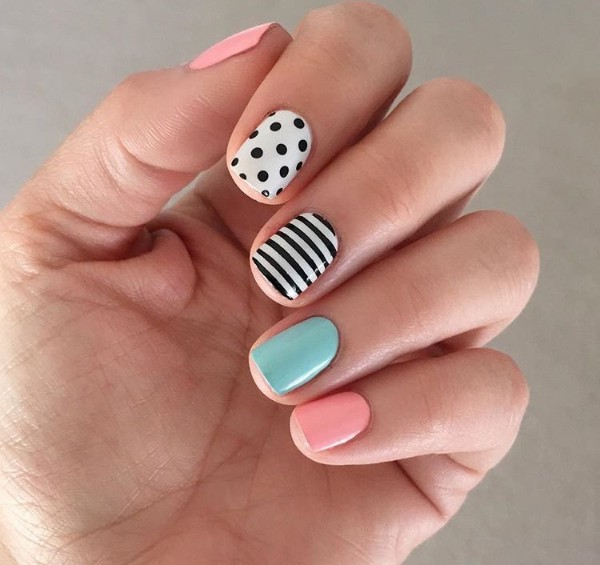 simple-summer-nail-design