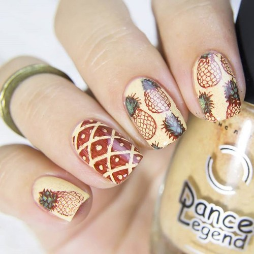 stamping nail design with pineapples
