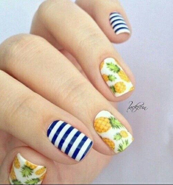 summer-nails-with-pineapples
