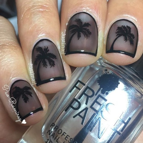 summer-palm-tree-nails