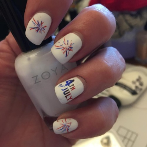white-4th-of-july-nail-design