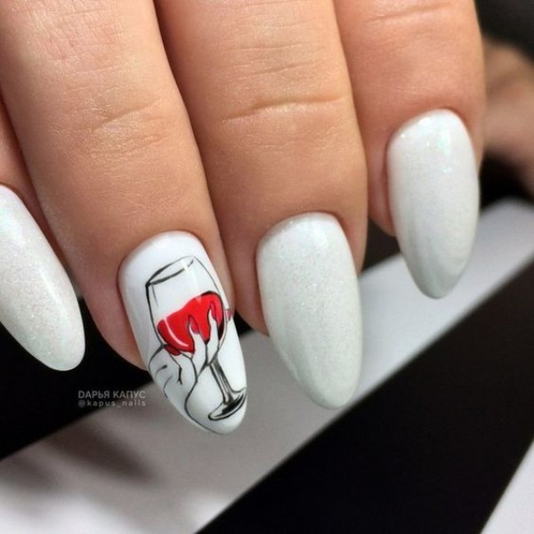 white-wine-themed-nails