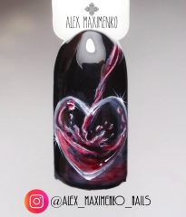 wine-heart-nail-design