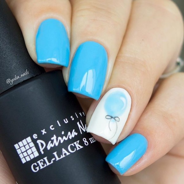 blue-birthday-nails-with-balloon-accent-nail