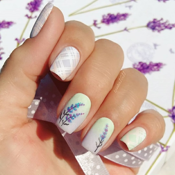 white summer lavanda nail art