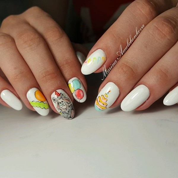 nail-art-happy-birthday-white