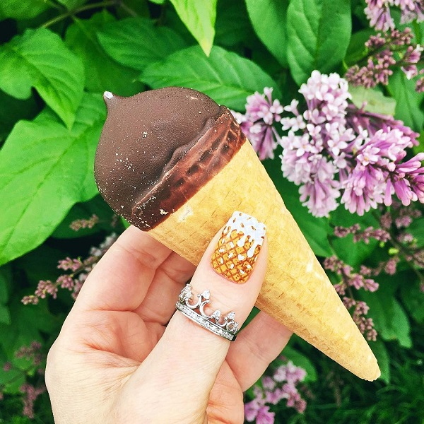 realistic-summer-ice-cream-nails