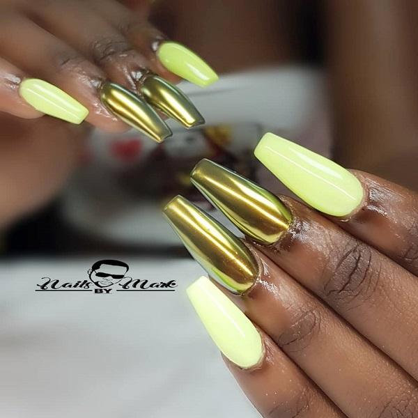 golden-birthday-acrylic-nails
