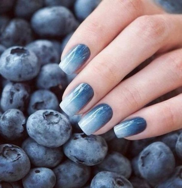 dark-blue-to-white-fall-ombre-nails