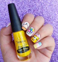 minion-birthday-nails