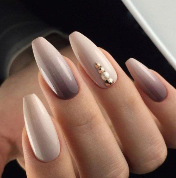 nude-brown-fall-ombre-nail-design - 40 Fall Ombre Nails You`ll Want To Copy NAILSPIRATION