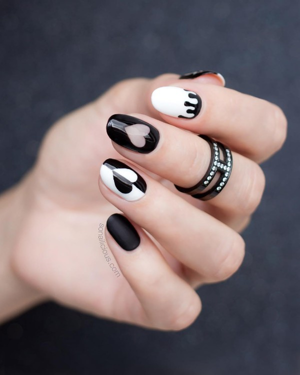 black-and-white-nails-for-halloween