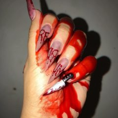 bloody-knife-nail-design