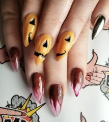 bloody-pumpkin-nails