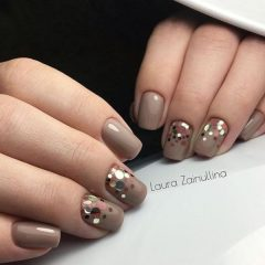 cappuccino-colored-nails