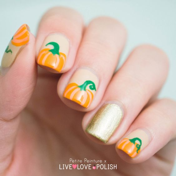 cute-halloween-nails-with-pumpkins
