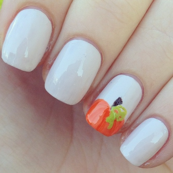 easy-pumpkin-nails