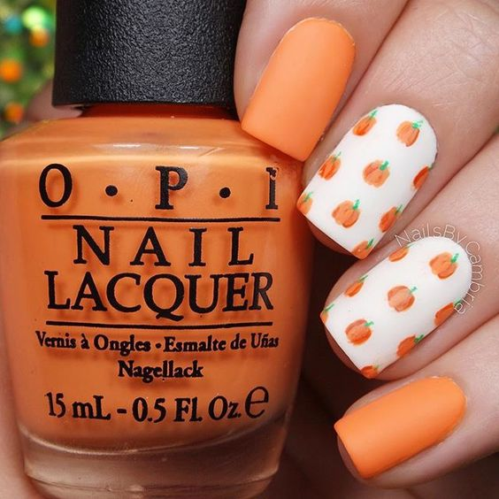 fall-pumpkin-nails