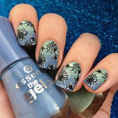 halloween-mani-with-spiders