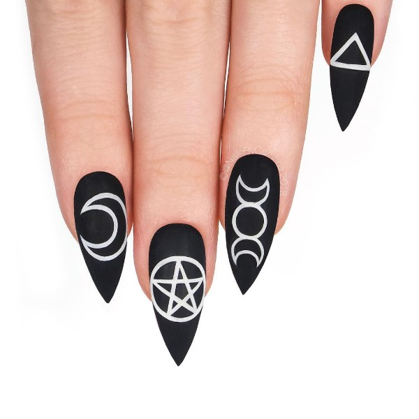 halloween-nails-with-witchy-symbols