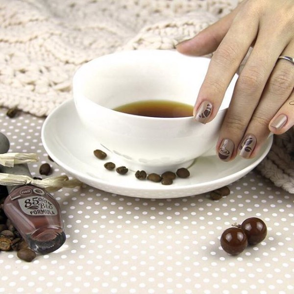 light-coffee-colored-nails