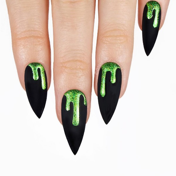 matte-black-stiletto-nails-for-halloween