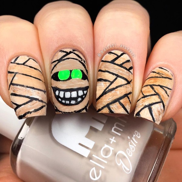 mummy-nails-halloween
