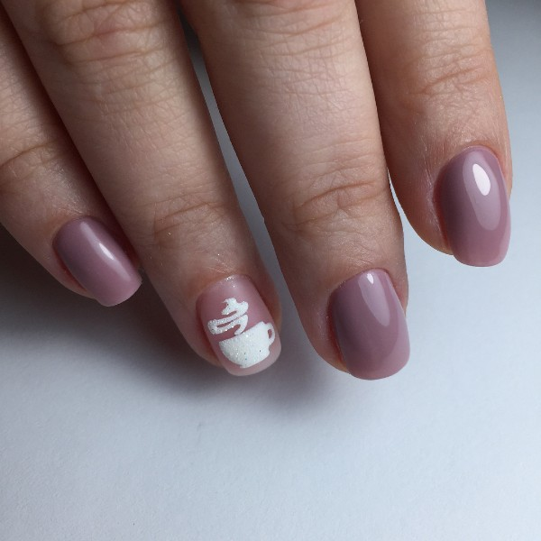 simple-nail-art-with-cup-of-coffee